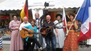 Vertreter des Hambacher Festes auf dem Rheinland-Pfalz-Tag in Alzey